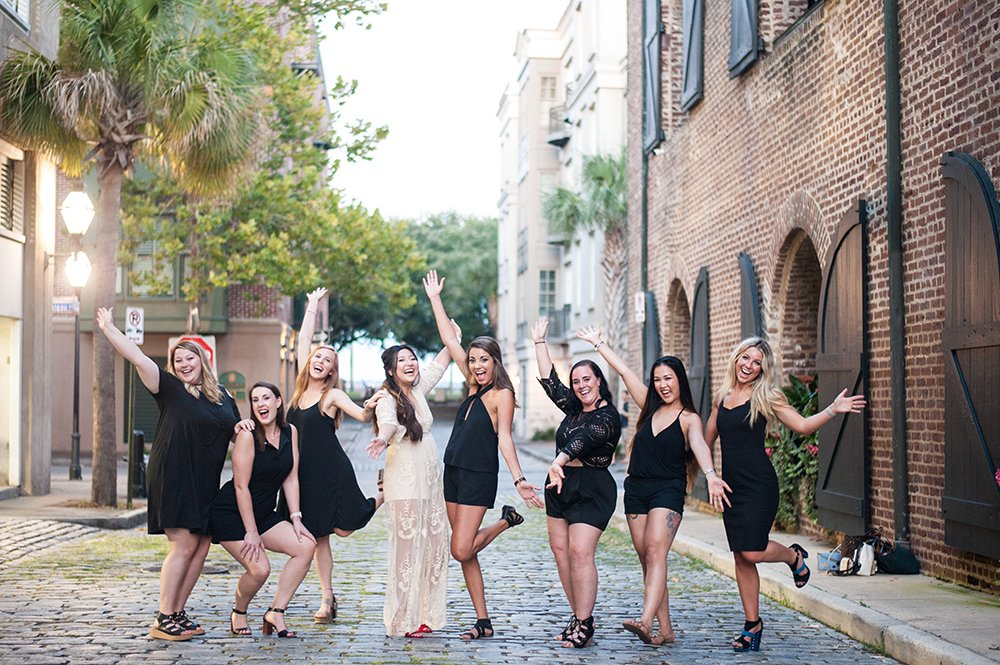 downtown charleston bachelorette photos at waterfront park