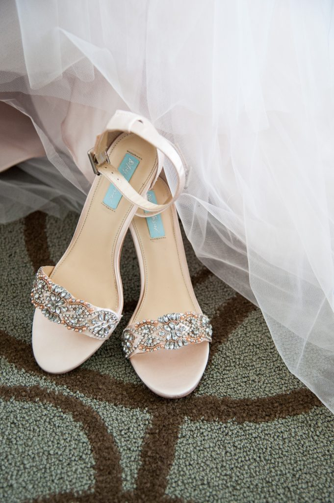 Pepper Plantation wedding in Charleston, SC bridal details