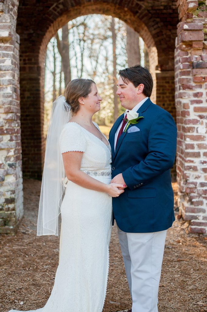 Colonial Dorchester State Historic Site wedding bride and groom photos in Charleston, SC