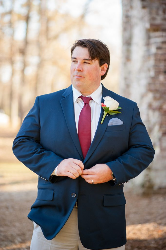 groom at Colonial Dorchester State Historic Site wedding in Charleston, SC