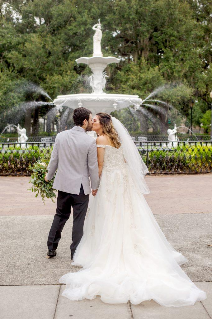 Wedding at the Forsyth Park fountain in Savannah, GA