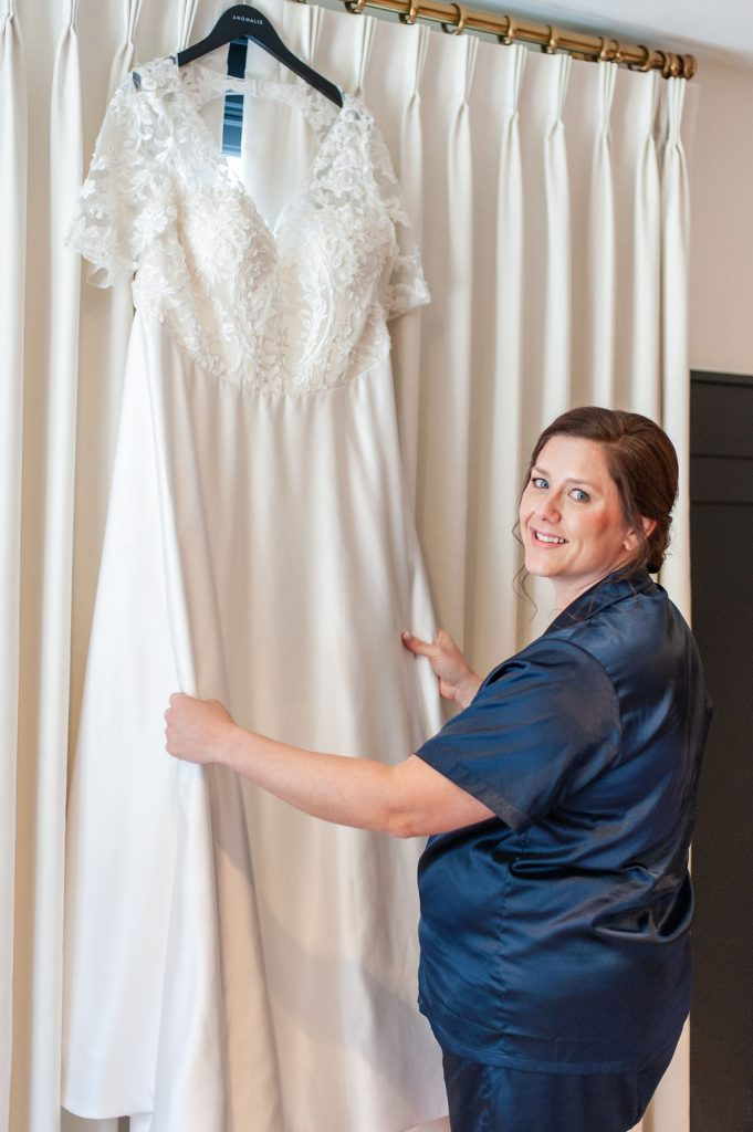 Bride with Anomalie wedding dress