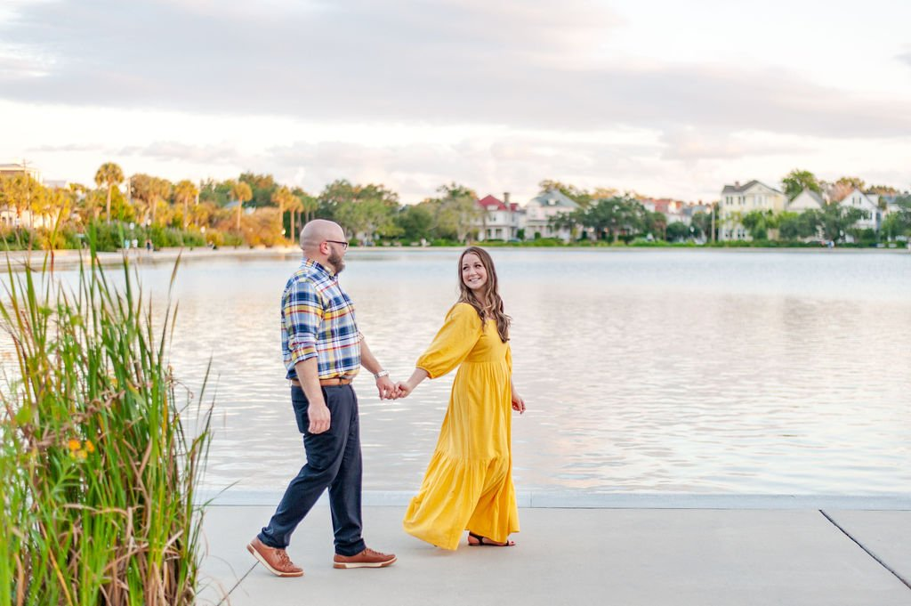 Couples photos at Colonial Lake in Downtown Charleston, SC