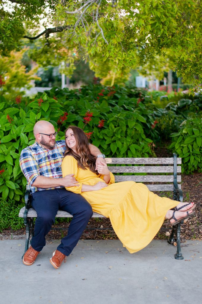 Couples photos at Colonial Lake in Downtown Charleston
